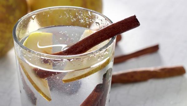 Água de canela evita acúmulo de gordura e contribui para barriga lisinha