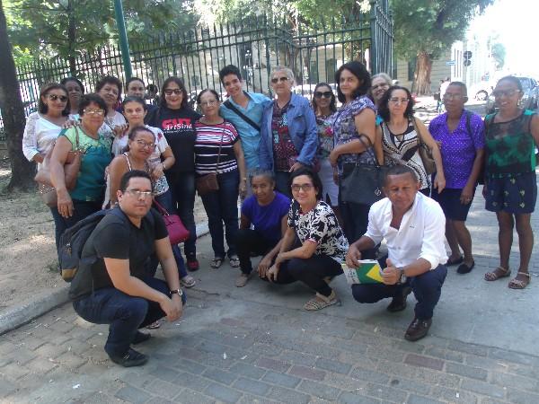 Regional do SINTE de Água Branca participa de ato de greve em  Teresina