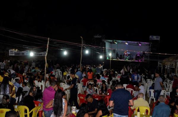 Os Meninos de Barão e Forró Molejo em show de encerramento do festejo da comunidade Pitombeira em Agricolândia