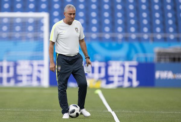 Tite se diz tranquilo para estreia do Brasil na Copa da Rússia