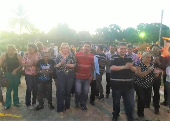 Prefeita Neta Santos e demais autoridades inauguram obra na comunidade Recreio, zona rural de Angical