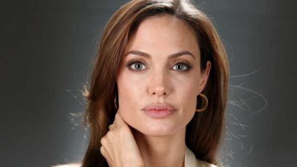 Angelina Jolie pode perder a guarda dos seis filhos