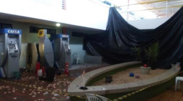 Bandidos explodem caixa eletrônico dentro da Câmara de Teresina