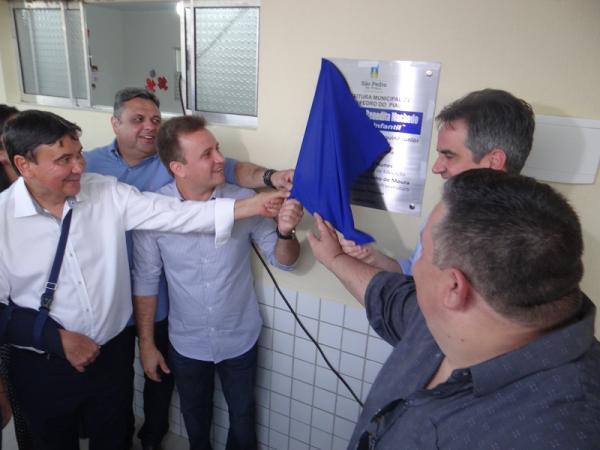 Prefeito Junior Bill e Governador Wellington Dias inauguram varias obras no aniversário de São Pedro do Piauí.