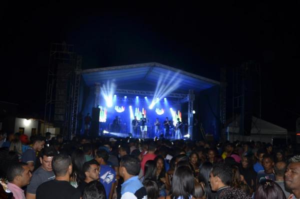 Multidão marca show com Romim Mata e Pegadões do Forró no festejo de Barro Duro; veja imagens