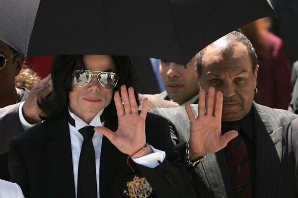 Pai de Michael Jackson, Joe Jackson, morre aos 89 anos