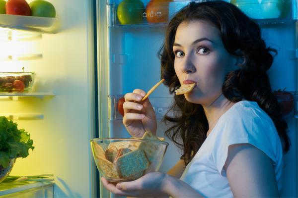Cardápio noturno ideal: o que comer ou não à noite?