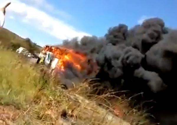 Ônibus da empresa Transpiauí que saiu de Brasília com destino ao Piauí pega fogo na Bahia