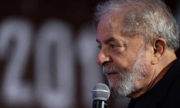 Abaixo-assinado reivindica que STJ e STF anulem prisão de Lula
