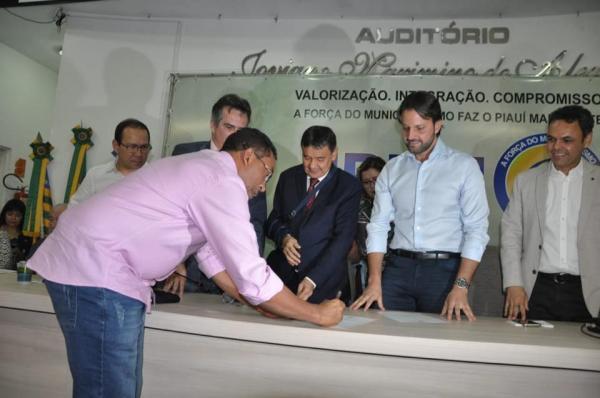 Projetos de mobilidade urbana serão executados em Floriano