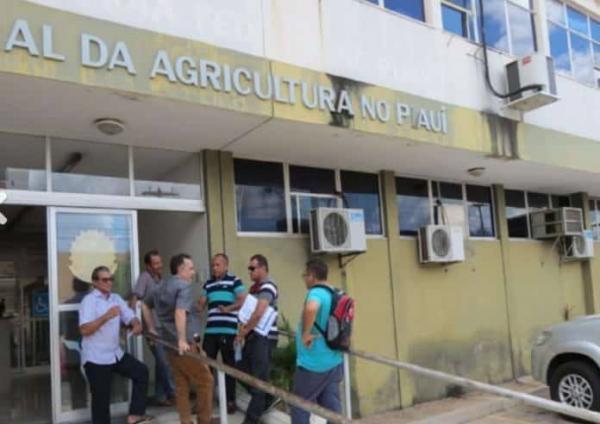Quadrilha saca todo o seguro-defeso de pescadores de Amarante e mais 7 cidades