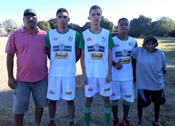 Clube AB City recebe novo uniforme para sub 15 masculina e agradece aos patrocinadores