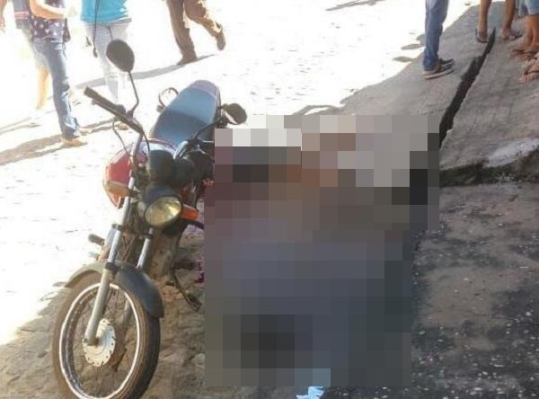 Homem é executado com 3 facadas no peito no centro de Beneditinos
