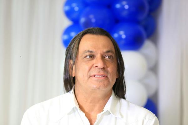 Cantor Frank Aguiar denuncia jogo sujo dos adversários políticos