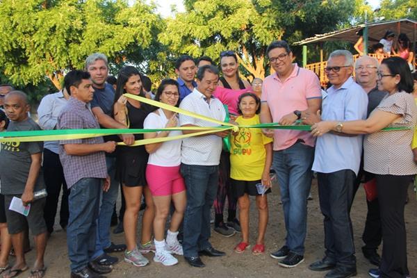 Prefeitura de Água Branca inaugura Academia Livre