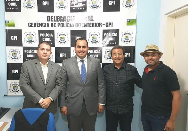 Prefeito Jonas Moura e presidente da AMPAR solicitam imediata nomeação de delegado titular para Água Branca