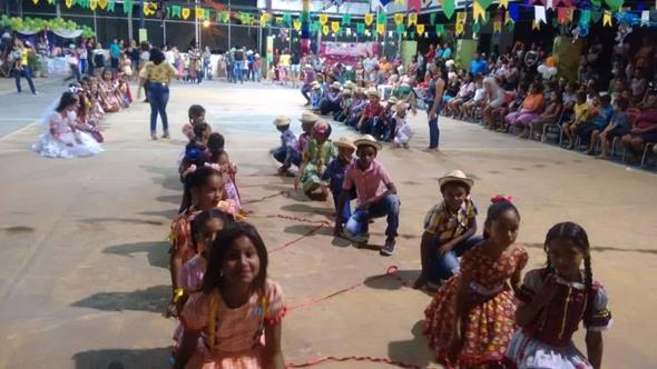 Secretaria de Educação de Santo Antônio dos Milagres promove Arraiá das Escolas de rede municipal; imagens