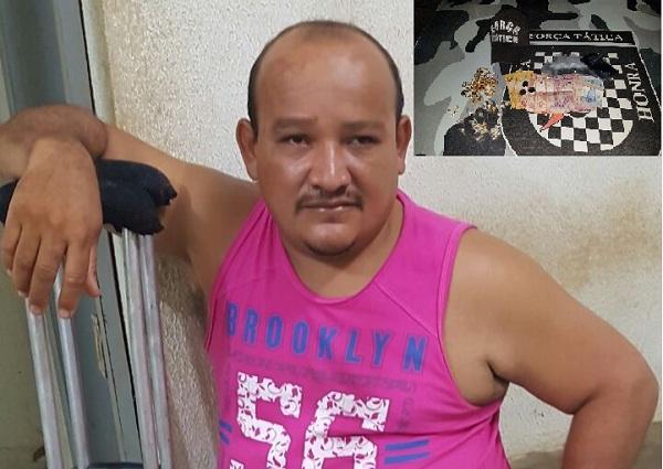 Homem usando 'muletas' é preso acusado de tráfico de drogas em Agricolândia