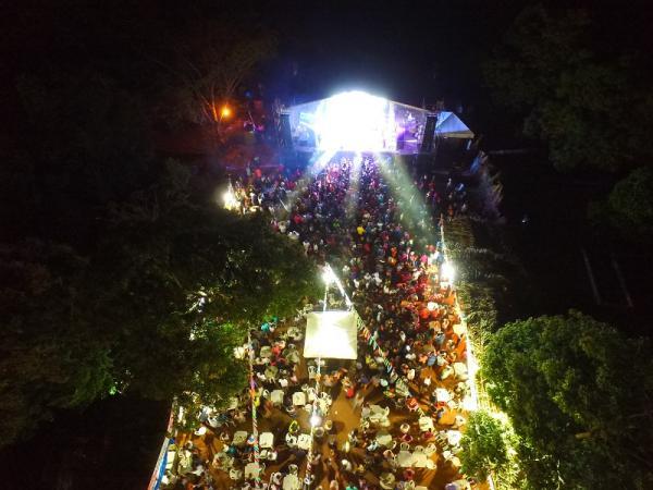 Festejo das Pedras: Farra da Gordinha reúne uma multidão na noite de sábado 21/07