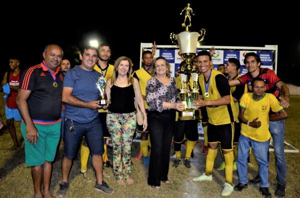 Poeirão vence Azulão de virada e se consagra campeão da I Copa Angicalense de Futebol; imagens