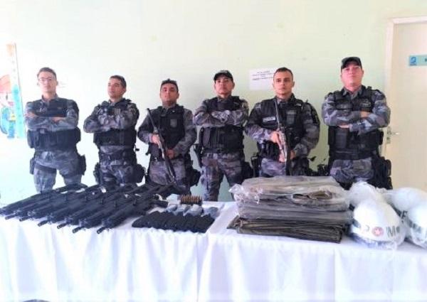 Policiais militares do Médio Parnaíba recebem armamento e equipamentos para segurança pública