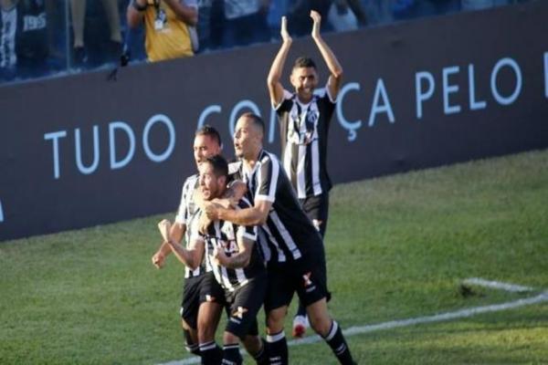 Ceará vence Fluminense, consegue segunda vitória e deixa lanterna