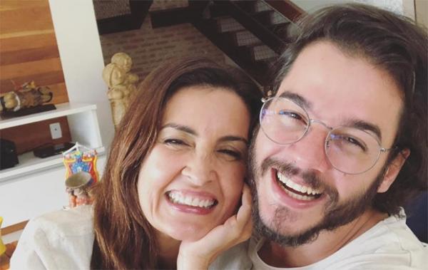Após reclamar da distância, Túlio Gadêlha viaja atrás de Fátima Bernardes e descobre que ela 'está tendo caso'