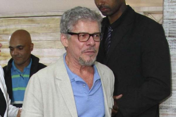 José Mayer ficou um mês internado para tratar doença autoimune