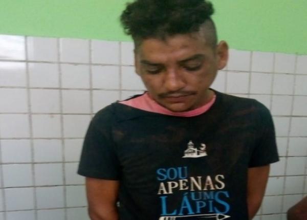 O acusado foi levado à Central de Flagrantes de Teresina, onde confessou o crime (Imagem: Divulgação PM)