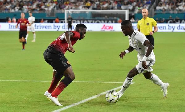 Técnico do Real Madrid e jornais elogiam estreia de Vinicius Jr.