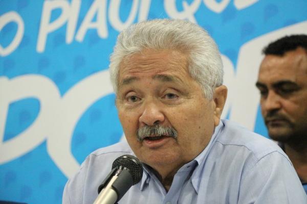 Após anunciar desistência, senador Elmano Férrer confirma pré-candidatura ao Governo do Estado