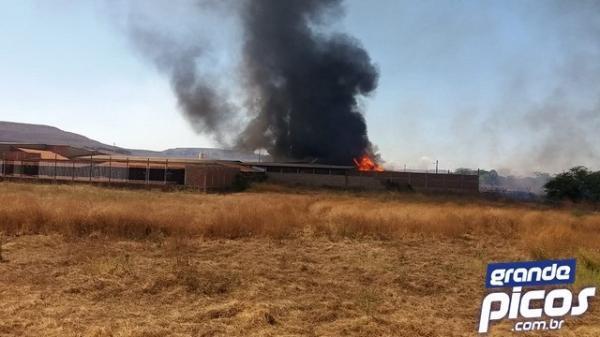 Depósito do Armazém Nordeste é tomado por incêndio em município do Piauí