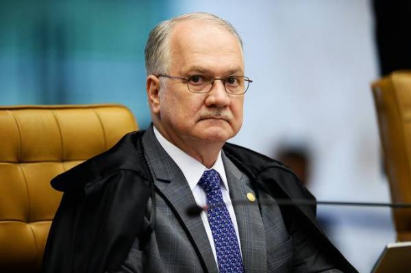 Edson Fachin aceita pedido de Lula para desistir de ação no STF