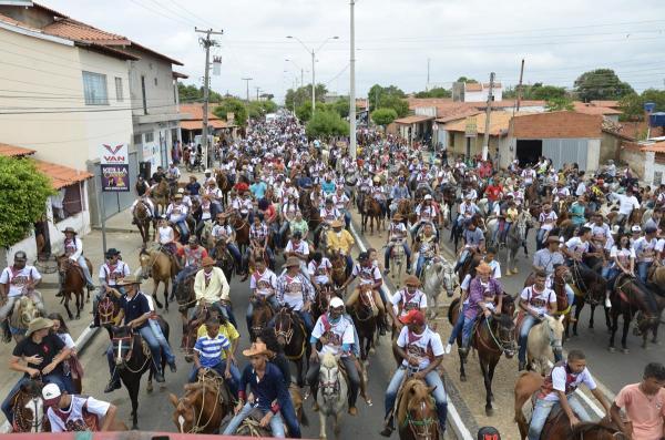 Mega Cavalgada de Água Branca reúne milhares de pessoas; veja imagens