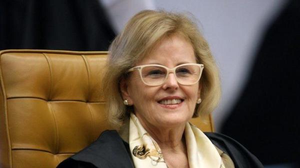 Rosa Weber toma posse como presidente do TSE e comanda eleições
