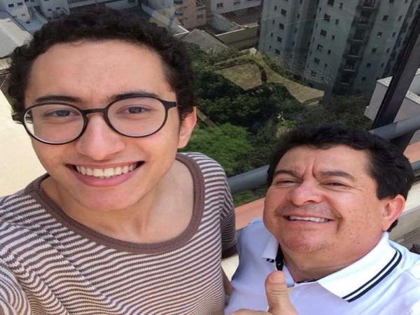 'Não mudou nada', diz Solimões sobre orientação sexual do filho