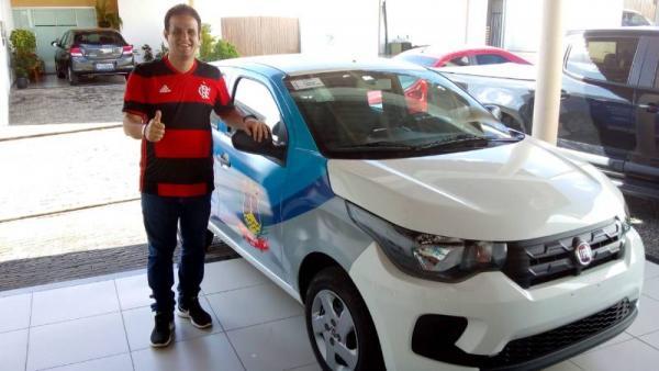 Prefeito de Amarante adquire novo veículo para a Saúde do município