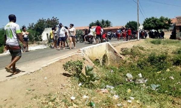 Pai e filho são mortos e uma pessoa é baleada em cidade do Piauí