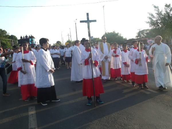 Fé e religiosidade marcam procissão de encerramento do festejo de Água Branca