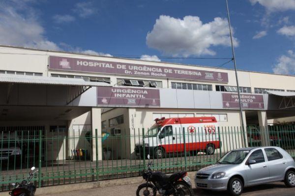 Homem encaminhado pelo hospital de Monsenhor Gil está no HUT sem identificação; hospital quer localizar a família