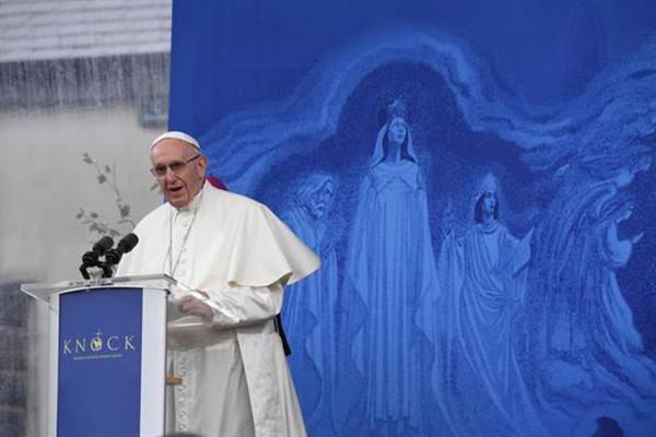 Papa Francisco pede perdão por abusos sexuais cometidos por padres