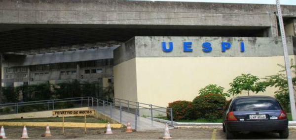Uespi realiza convocação de 167 professores aprovados em concurso