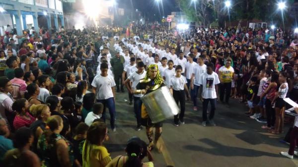 Angical do PI | Unidade Escolar Demerval Lobão realiza desfile em comemoração à Independência do Brasil