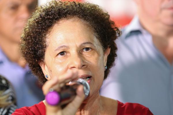 Regina Sousa não acredita que ataque vá beneficiar Bolsonaro