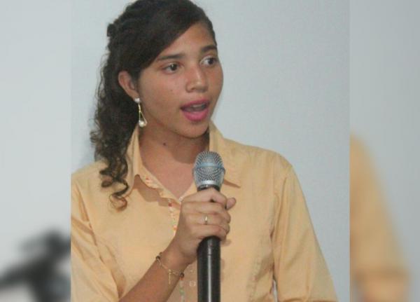 Durante evento em Jardim do Mulato, vice-presidente municipal do PRB-Jovem discursa e fala sobre a importância do voto