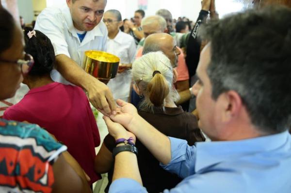 Em Santa Cruz dos Milagres, Ciro ressalta potencial do turismo religioso no Piauí