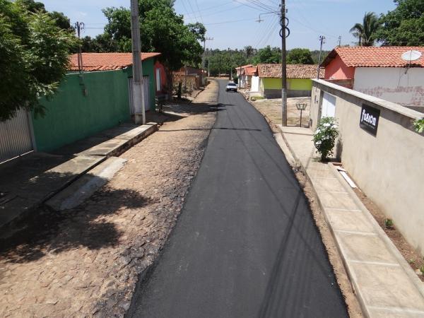 Prefeitura inicia pavimentação asfáltica que beneficiará vários bairros da cidade