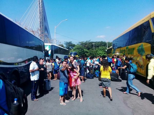 Delegação com 150 atletas retorna ao Piauí após competição em Natal