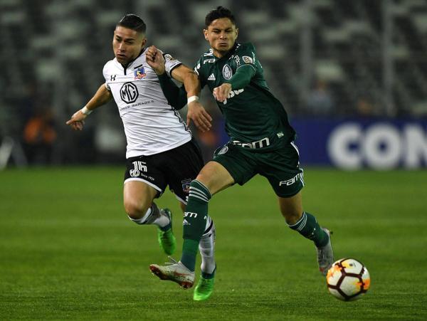 Palmeiras vence o Colo-Colo, mantém 100% fora e sai na frente pela semi da Liberta