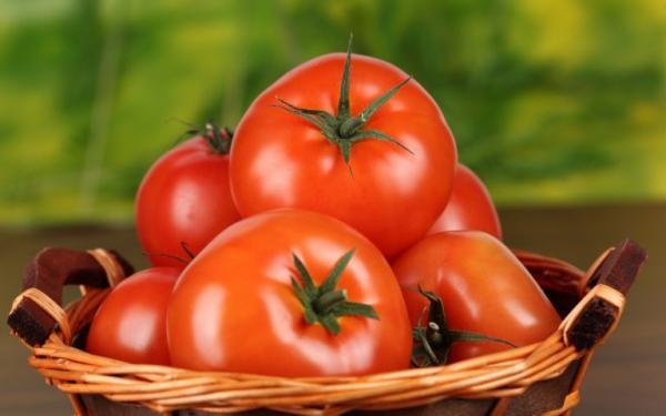 Máscara de Tomate Para Remover Manchas do Rosto